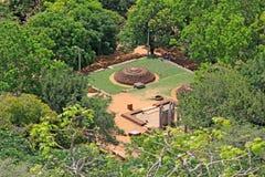 Sala de conferências de Anuradhapura Mihintale, patrimônio mundial do UNESCO de Sri Lanka Fotografia de Stock