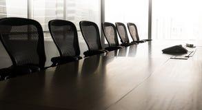 Sala de conferências moderna do negócio com sol acima na manhã foto de stock royalty free