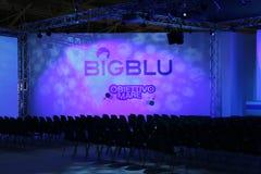 Sala de conferencias en 2012 azul grande Imagenes de archivo