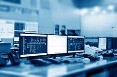 Sala de control moderna de la planta Fotografía de archivo libre de regalías