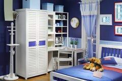 Sala de crianças à moda com cama Fotos de Stock Royalty Free