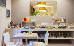 Sala de desayuno del hotel de Ares Fotos de archivo libres de regalías