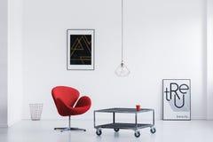 Sala de espera com tabela industrial imagens de stock royalty free