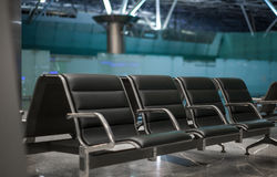 Sala de espera das cadeiras de sala de estar do aeroporto Imagens de Stock Royalty Free