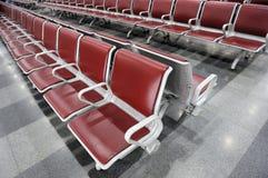 Sala de espera em uma estação de comboio Imagem de Stock