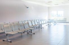 Sala de espera vacía y limpia Foto de archivo libre de regalías