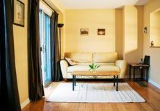 Sala de estar acogedora Fotografía de archivo libre de regalías
