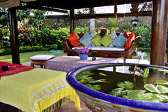 Sala de estar ao ar livre do Balinese Foto de Stock