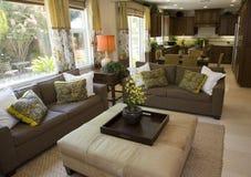 Sala de estar casera de lujo espaciosa. fotografía de archivo