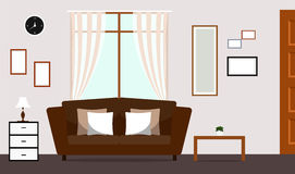 Sala de estar clásica con el interior del sofá de Brown Fotos de archivo