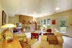 Sala de estar r stica fotos stock 72 sala de estar - La chimenea muebles ...