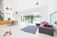 Cocina sala de estar y comedor imagen de archivo imagen for Cocina abierta sala de estar
