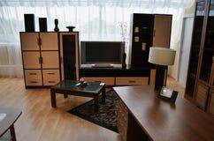 Sala de estar con la ventana grande Fotos de archivo libres de regalías