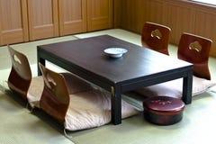 Sala de estar de la habitación del estilo japonés foto de archivo libre de regalías