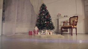 Sala de estar de la Navidad Nieve que cae metrajes