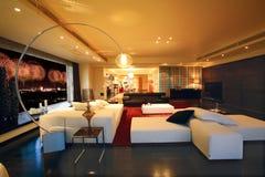 Sala de estar de lujo fotografía de archivo libre de regalías