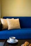 Sala de estar del ático fotografía de archivo