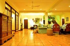 Sala de estar del centro turístico del VIP de la residencia privada en Negros Oriental, Filipinas Fotografía de archivo