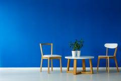 Sala de estar del estilo del scandi de Minimalistic imagenes de archivo