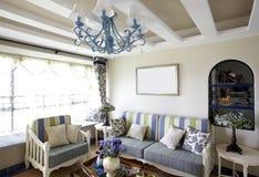 sala de estar del Mediterráneo-estilo Fotos de archivo libres de regalías