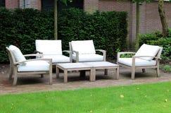 Sala de estar elegante e moderna elegante do quintal do hotel em Amsterdão, os Países Baixos em Europa Assentos no hotel superior foto de stock
