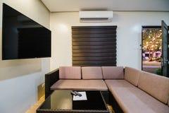 Sala de estar en el chalet fotografía de archivo