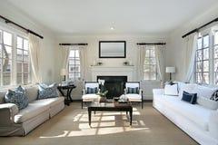 Sala de estar en hogar de lujo foto de archivo