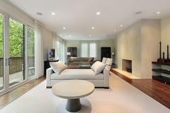 Sala de estar en hogar de lujo Foto de archivo libre de regalías