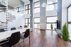 Sala de estar espaciosa Fotos de archivo