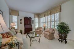 Sala de estar formal casera de la Florida Foto de archivo libre de regalías
