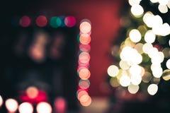 Sala de estar hermosa del Año Nuevo con el árbol de navidad adornado Imagen de archivo