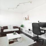 Sala de estar moderna con el escritorio del ordenador Imagen de archivo