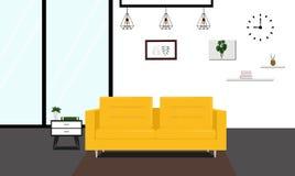 Sala de estar moderna con el sofá amarillo Foto de archivo