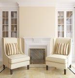 Sala de estar moderna con la chimenea. Imagen de archivo