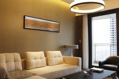 Sala de estar moderna de la familia Fotografía de archivo