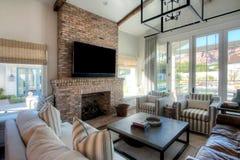 Sala de estar moderna de la mansión Imagenes de archivo