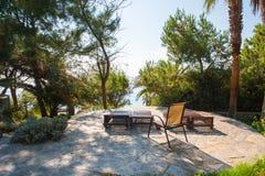 Sala de estar no sol, espaço livre no sol, resto do Chaise no sol imagem de stock royalty free