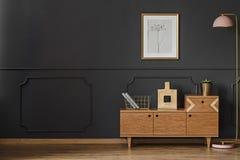 Sala de estar retra simple fotografía de archivo libre de regalías