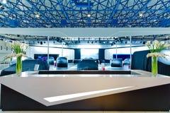 Sala de exposições do carro imagem de stock