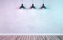 Sala de exposições subterrânea com as três lâmpadas de suspensão do metal Imagem de Stock Royalty Free