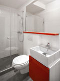 Sala de hotel moderna ou banheiro liso do estúdio Fotos de Stock