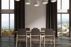 Sala de jantar branca, cortinas pretas, escuras Foto de Stock