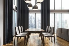 Sala de jantar branca, lado preto das cortinas Imagem de Stock Royalty Free