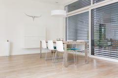 Sala de jantar brilhante moderna Fotos de Stock
