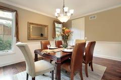 Sala de jantar com paredes tan Imagem de Stock