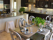 Sala de jantar e cozinha fotografia de stock