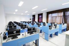 Sala de ordenadores Imágenes de archivo libres de regalías