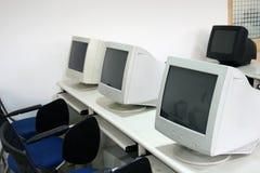 Sala de ordenadores imagen de archivo