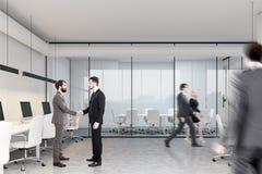 Sala de reunião e espaço aberto, pessoa lateral Imagens de Stock Royalty Free