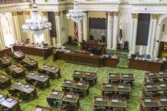 Sala de reunión de la asamblea del capitolio del estado de California imagenes de archivo